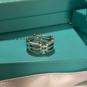 Tiffany & Co gate link ring